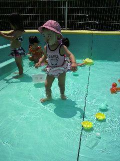保育園でプール♪